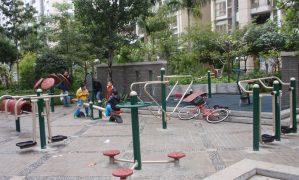 Bảo vệ sân chơi chung cư, cần sự quyết tâm của cộng đồng