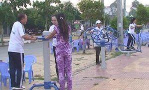 Châu Thành hiệu quả thiết bị tập luyện thể dục ở công viên