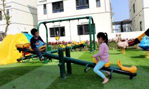 Những lợi ích khi cho bé vui chơi ngoài trời