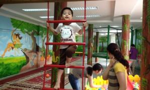 Để trẻ vui chơi an toàn