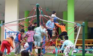 Bí quyết tạo khu vui chơi an toàn trong sân vườn cho bé