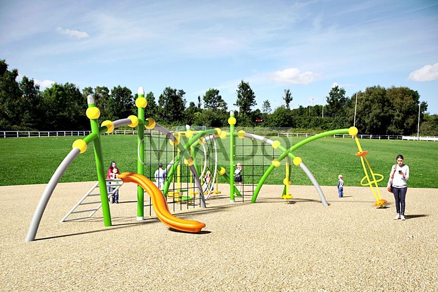 Tổ hợp sân chơi trường tiểu học (14)